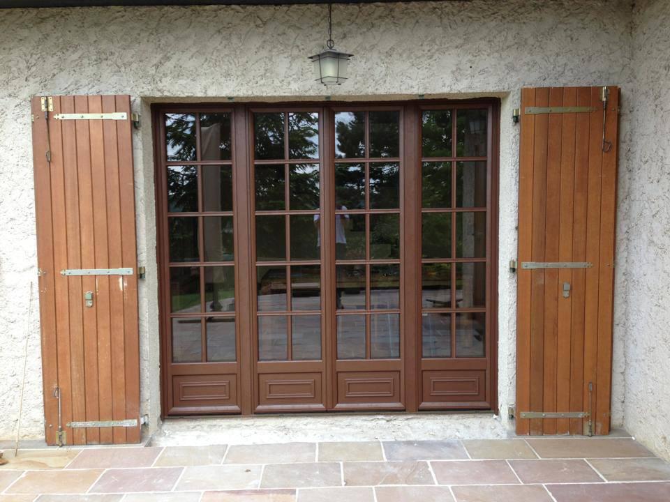 Porte fenetre bois 3 vantaux lapeyre maison design for Fenetre coulissante 3 vantaux